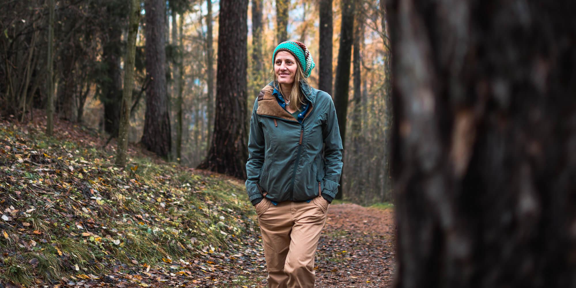 Maggy Gschnitzer im Wald